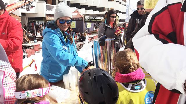 La remise de médailles à l'École de Ski Internationale de Puy Saint Vincent