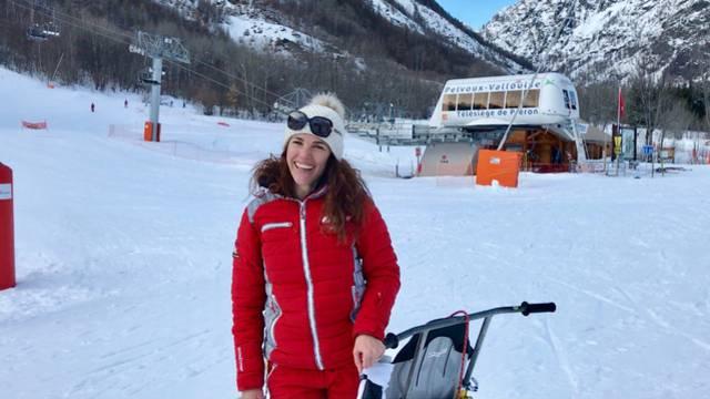 Mélody, monitrice de ski à l'École du Ski Français de Pelvoux-Vallouise