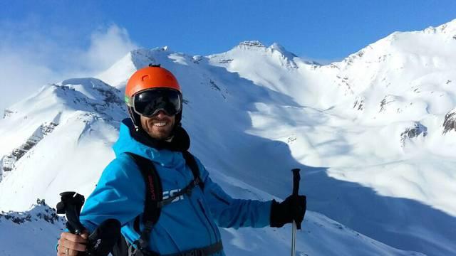 Nathan, moniteur à l'École de Ski Internationale de Puy Saint Vincent