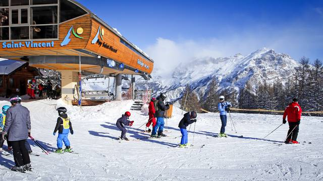 Plans des pistes pays des crins office de tourisme - Office tourisme puy st vincent ...
