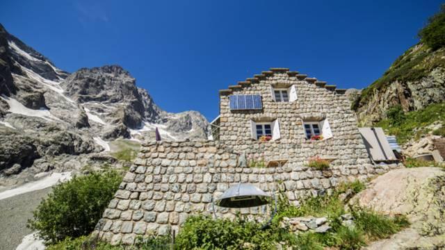- refuge des bains_rando_paysage_montagnes_ete2017_jannovakphotography-5392.jpg