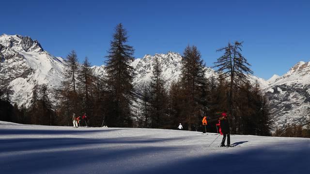 Ski hautes alpes pays des crins office de tourisme - Office tourisme montgenevre hautes alpes ...