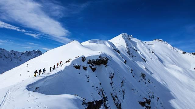 Ski de randonnée et ski d'alpinisme - English