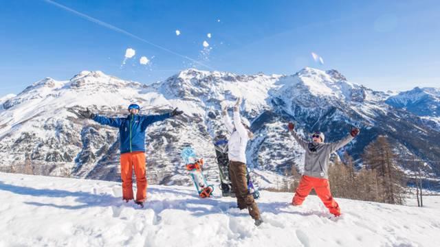 Skiez sous le soleil de Pelvoux-Vallouise !