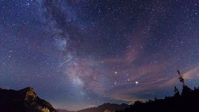 Une nuit à la belle étoile au Refuge du Pas du Loup - English