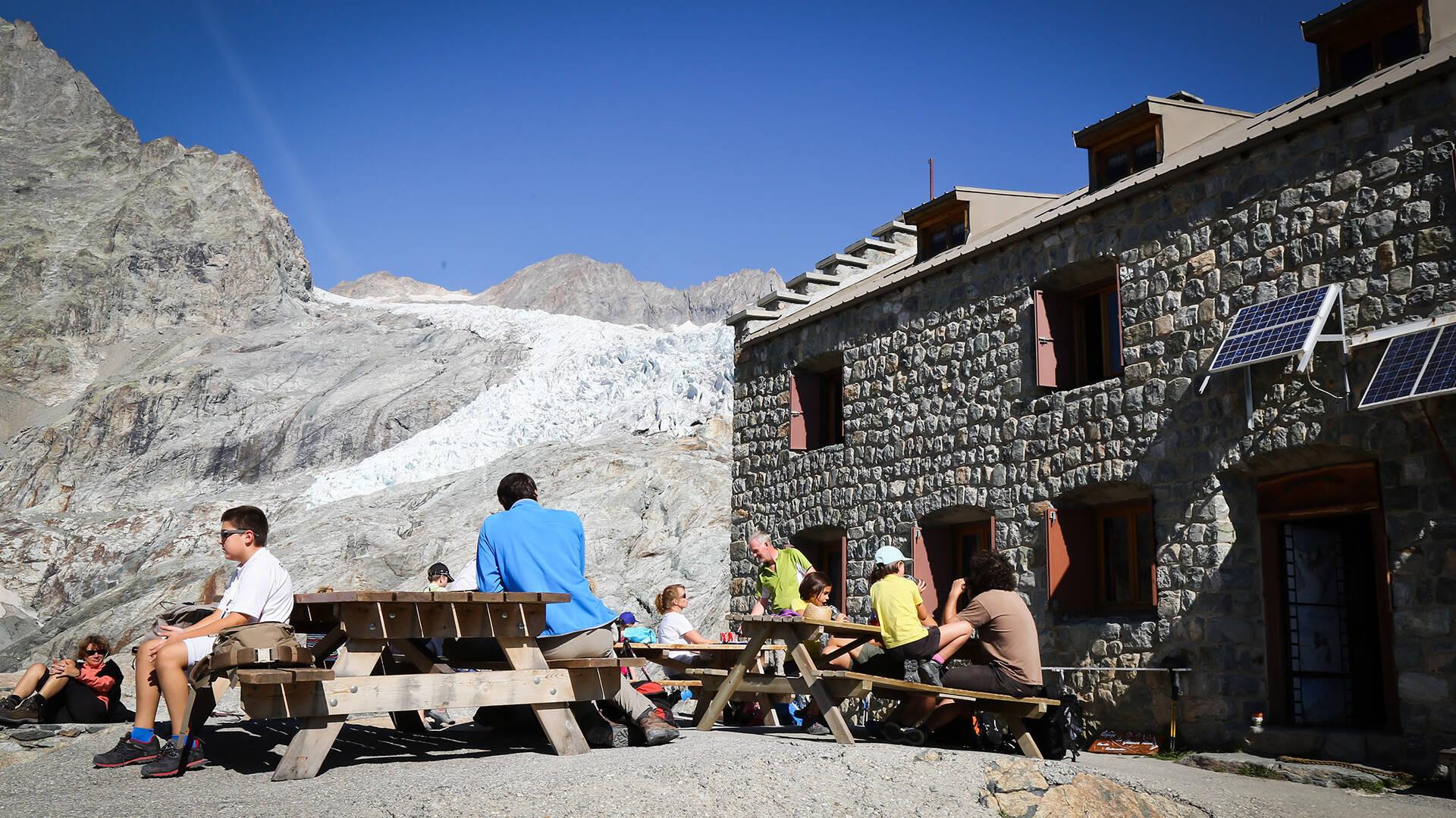 Refuge du Glacier Blanc Panorama sur le glacier