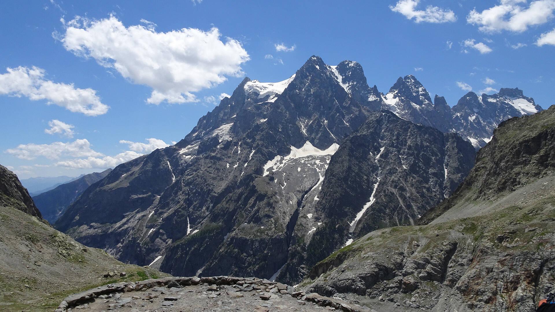 Mont Pelvoux depuis le Refuge du Glacier Blanc
