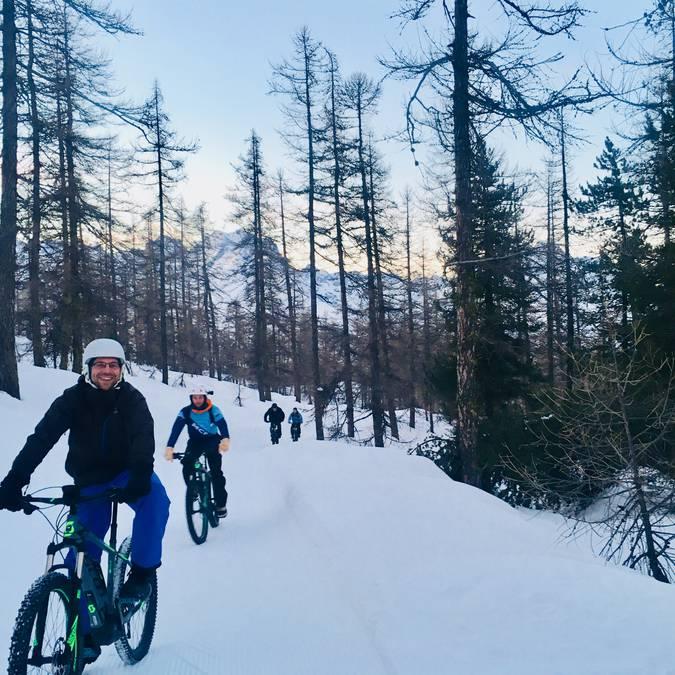 Fat bike nocturne station de puy saint vincent hautes-alpes